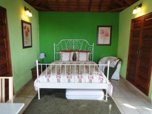 A bed or beds in a room at Casita Canaria con Vista