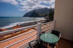 A balcony or terrace at Hotel Costa Linda