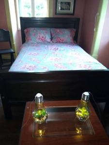 A bed or beds in a room at Mondego River House