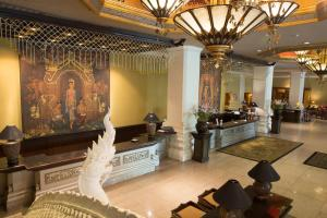 The lobby or reception area at Chiangmai Plaza Hotel
