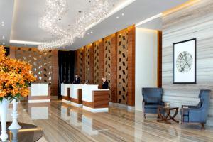 The lobby or reception area at Radisson Blu Hotel, Dubai Waterfront