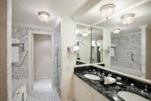 A bathroom at The Landmark London
