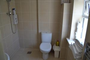 A bathroom at White Owls Lodges