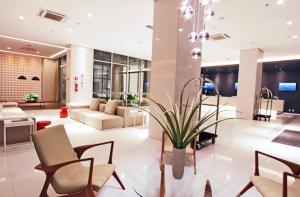The lobby or reception area at ibis Styles Brasilia Aeroporto