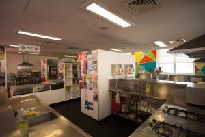 A kitchen or kitchenette at Sydney Harbour YHA