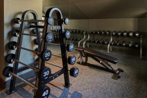 The fitness centre and/or fitness facilities at Kimpton - Charlotte Square, an IHG Hotel