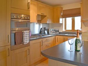 A kitchen or kitchenette at Stables