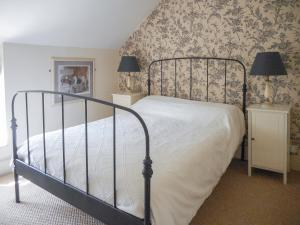 A bed or beds in a room at Oxford Terrace