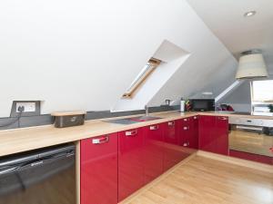 A kitchen or kitchenette at Gordons Hall