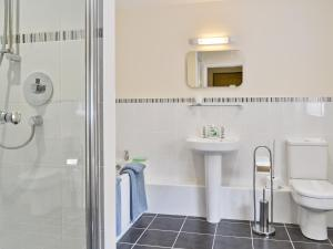 A bathroom at Stable Cottage