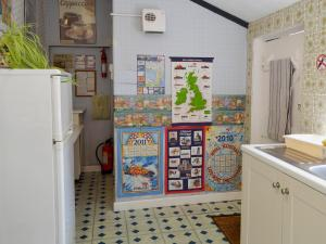 A kitchen or kitchenette at Old Stoke House