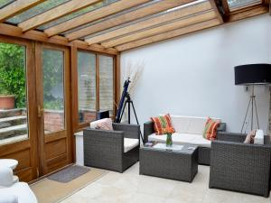 A seating area at Jasmine Cottage