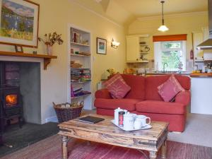 A seating area at Glebe Cottage