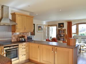 A kitchen or kitchenette at Speybridge