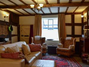A seating area at Appletree Cottage