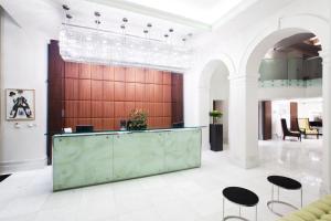 Hall o reception di Hotel KINGS COURT