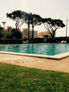 The swimming pool at or near Le Cinq