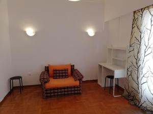 A seating area at Sfiggos 54 Guest House