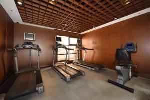 福容大飯店-桃園健身房和/或健身器材