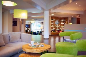 Lounge oder Bar in der Unterkunft Göbel's Seehotel Diemelsee