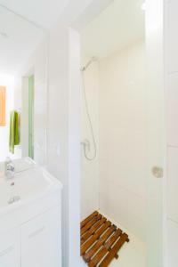 A bathroom at Aguda Beach Charming House by MP