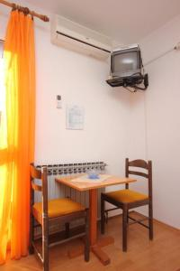 A television and/or entertainment centre at Apartments with a parking space Mlini, Dubrovnik - 8542