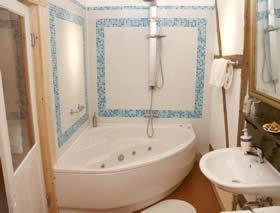 Ein Badezimmer in der Unterkunft Pension Picco-Bello