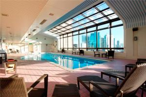 The swimming pool at or close to Imperial Hotel Tokyo