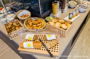 Breakfast options available to guests at Campanile Leipzig Halle Airport