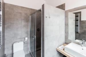Łazienka w obiekcie Apartamenty Eden