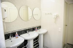 Ванная комната в Хостел «Бумеранг»