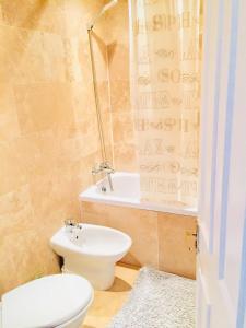 A bathroom at Beresford Road London Rooms