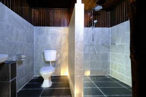 Ein Badezimmer in der Unterkunft Melina Beach Resort