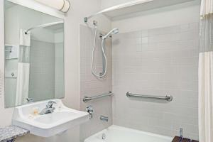 A bathroom at Days Inn & Suites by Wyndham Page Lake Powell