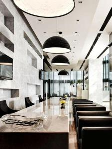 The lobby or reception area at S31 Sukhumvit Hotel