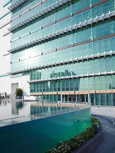 The swimming pool at or near S31 Sukhumvit Hotel
