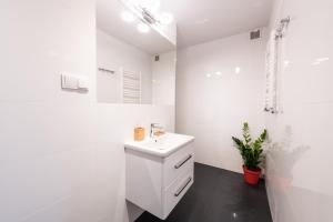 Łazienka w obiekcie Halna Residence