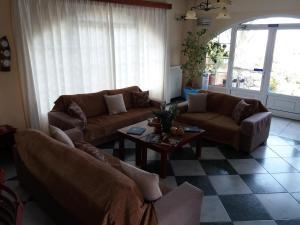 A seating area at Venardos Hotel