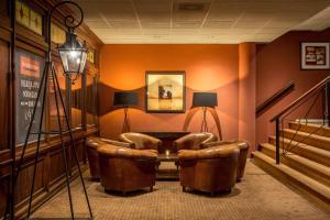 Een zitgedeelte bij Fletcher Hotel-Restaurant De Broeierd-Enschede (former Hampshire Hotel – De Broeierd Enschede)