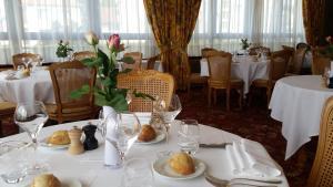 Restaurant ou autre lieu de restauration dans l'établissement Hostellerie Reeb (Room Service disponible)