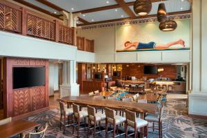 A restaurant or other place to eat at Residence Inn by Marriott Maui Wailea