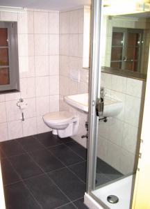 Ein Badezimmer in der Unterkunft Ferienwohnungen Stiehl