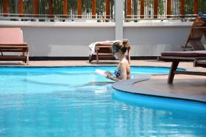 The swimming pool at or close to Golden Foyer Suvarnabhumi Airport Hotel