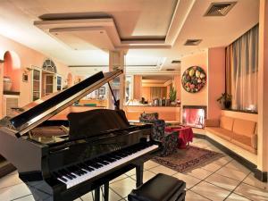 The lobby or reception area at Hotel Scapolatiello