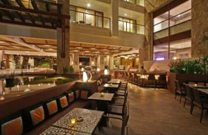 A restaurant or other place to eat at The Bellevue Resort