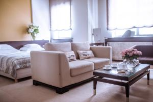 A seating area at Boutique Garni Hotel Townhouse 27
