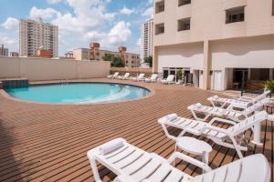 A piscina localizada em Blue Tree Towers All Suites Santo André ou nos arredores