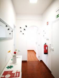 A bathroom at Peniche's Blue & White