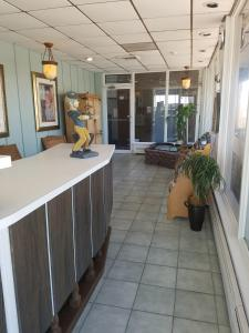 The lobby or reception area at Newport Beach Resort