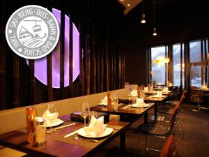 A restaurant or other place to eat at Engadiner Boutique-Hotel GuardaVal